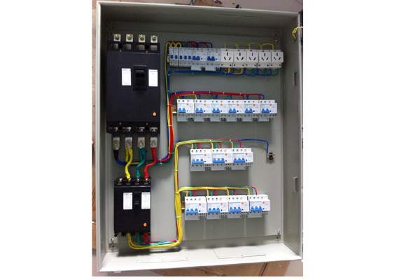 壁挂式控制柜