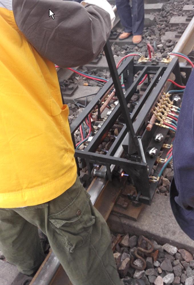 绝缘胶结接头快速拆除辅助加热装置